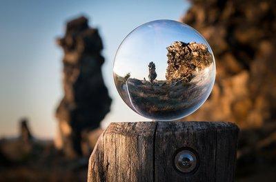 glass-ball-1746506_960_720.jpg