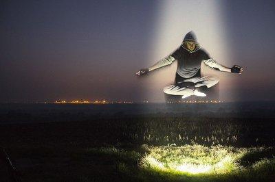 levitation-1287234_960_720.jpg
