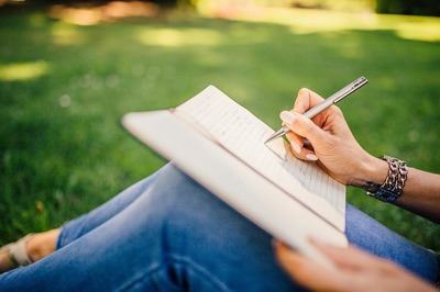 writing-923882_960_720.jpg